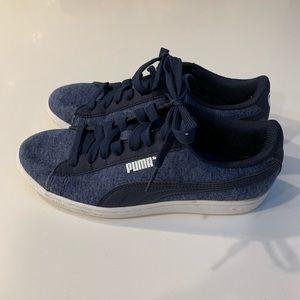 Puma sneakers - EUC size 6